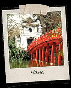 Pont rouge sur le lac Hoan Kiem à Hanoi