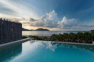 12.-Ocean-Front-Villa-view_six senses