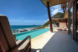 13.-Ocean-View-4Bedroom-villa-pool-deck_six senses