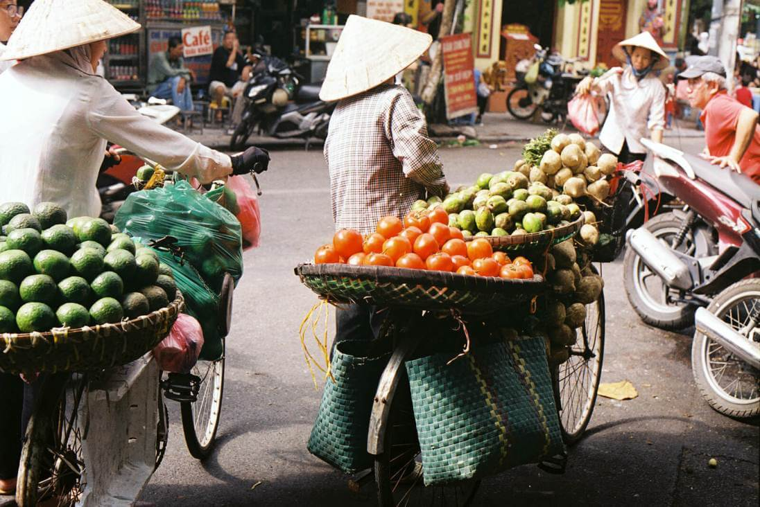 vendeuses-fruit-hanoi