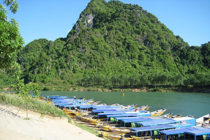 Phong-Nha-Vietnam