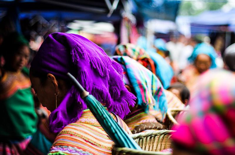 Marché ethnique dans le nord du Vietnam
