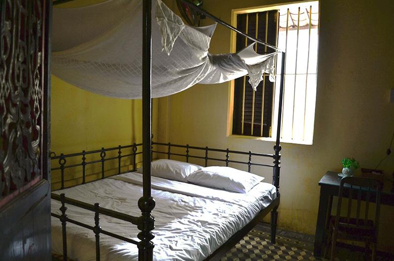 Maison de l'amant à Sa Dec, vue du lit dans la chambre