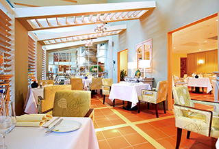 L'Olivier Restaurant at Sofitel Saigon Plaza