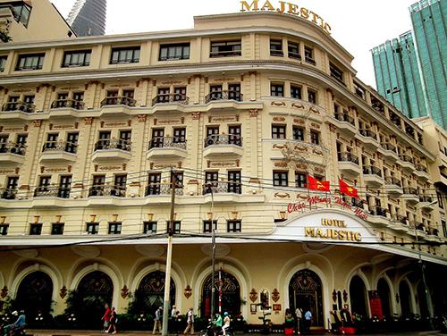 Façade de l'hôtel Majestic à Saigon