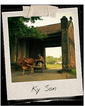 Un paysan et un buffle à Ky Son