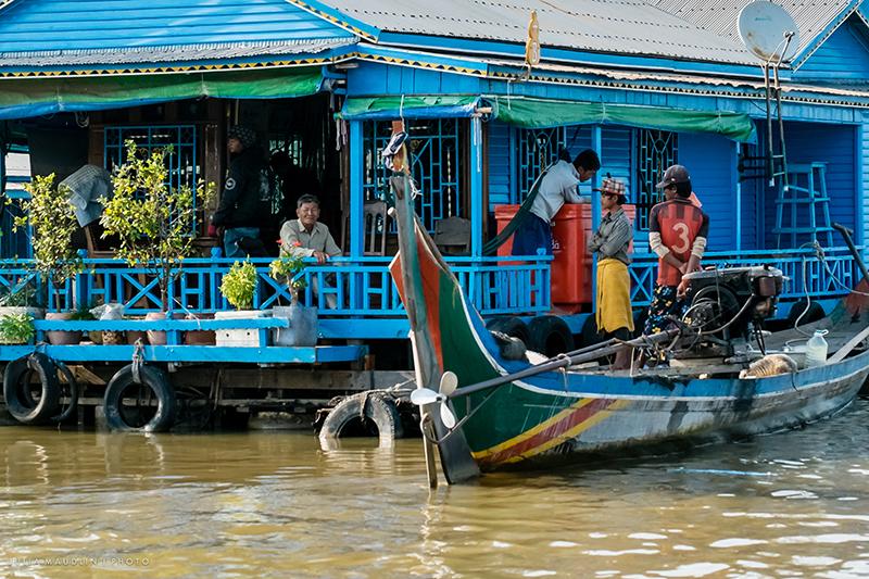 Habitants du lac Tonle Sap au Cambodge