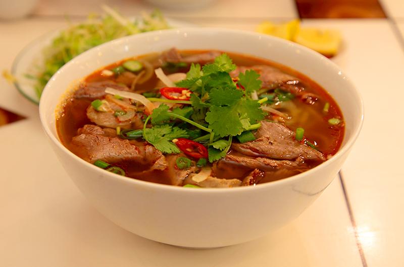Bun bo Hue bol de soupe Vietnam