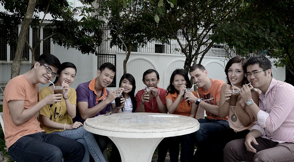 L'équipe de Nam Viet Voyage aime le café !