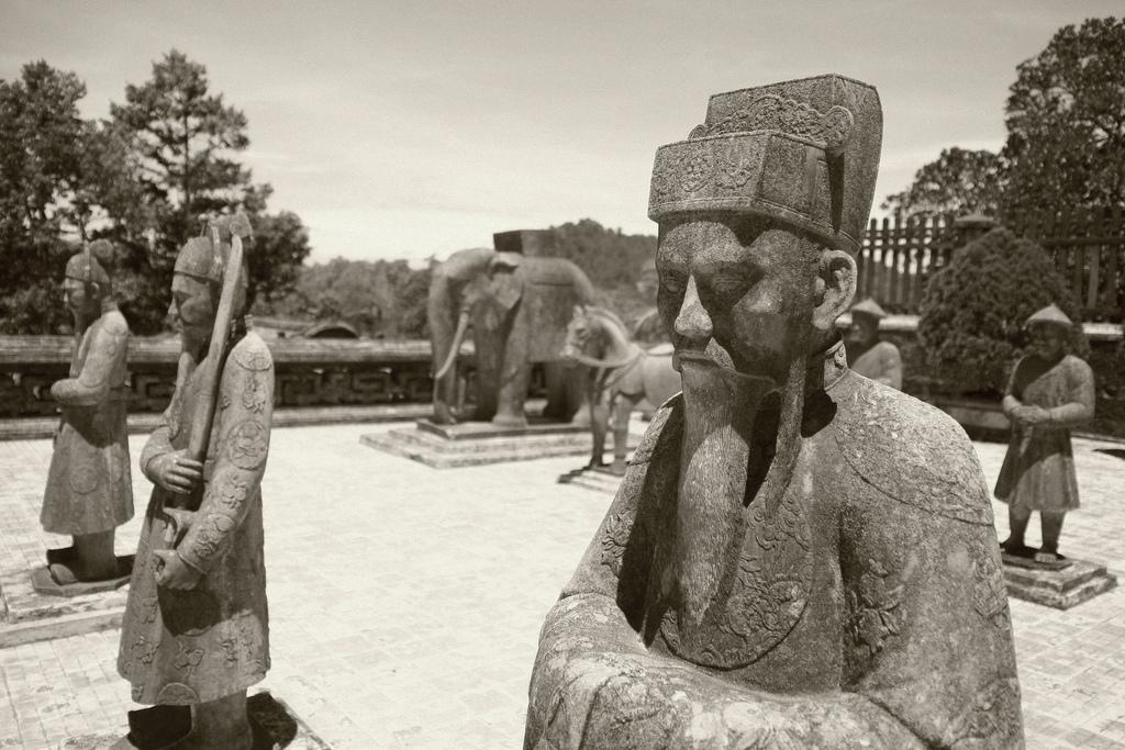 tombeaux-empereur-hue