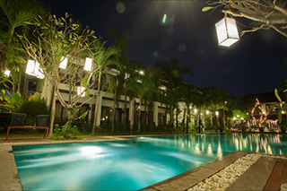Pool by night at the Green Park Boutique Hotel