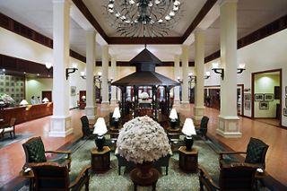 Vue du lobby au Sofitel Angkor Phokeethra