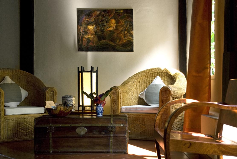 Seats at the lobby of the Villa Maydou
