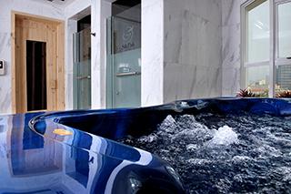 Steam bath, jacuzzi and spa Silk Path Hotel